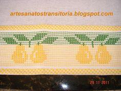 ARTESANATOS TRANSITÓRIA: peras no ponto oitinho Swedish Embroidery, Hand Embroidery, Swedish Weaving, Lost Art, Vintage Patterns, Hand Sewing, Diy And Crafts, Cross Stitch Kitchen, Cross Stitch Embroidery