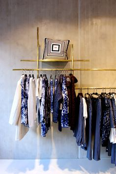 Lala berlin flagship *** neoplan a. retail design, heminredning, idéer, h Lala Berlin, Fashion Showroom, Luxury Store, Retail Store Design, Retail Merchandising, Store Interiors, Boutique Interior, Loft, Retail Space