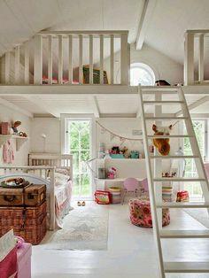 Loft spaces for kids house mezzanine bedroom, kids room, lof Mezzanine Bedroom, Bedroom Loft, Dream Bedroom, Girls Bedroom, Loft Room, Attic Loft, Loft Playroom, Bedroom Decor, Attic Bedrooms