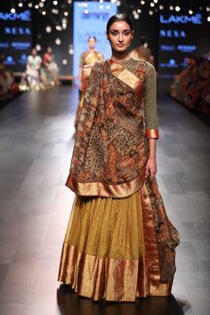Ghagra with Kalamkari duppatta Half Saree Designs, Saree Blouse Designs, Lehenga Designs, Indian Wedding Outfits, Indian Outfits, Indian Attire, Indian Wear, Anarkali, Churidar