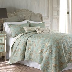 Love this TEAL TOILE QUILT SET