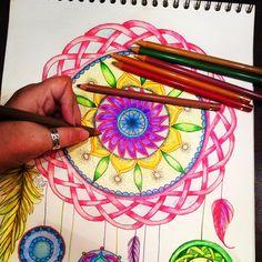 Made by Zendoodle Nikki- oct.2016 Finished! ❤️ Love the Conté aquarelle-pencils. The colours are so bright ✏️ #zentangle #zendoodle #doodling #doodles #zen #mindfullness #colouring #penart #penandink #contepencils #aquarelle #celtic #dreamcatcher #brightcolours #hearttangles #mandala #mandalamaze #zendala