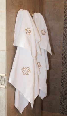 Home decor is everything! Help your mom add some prep to her bathroom with a cute Monogrammed Towel Set!