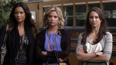 She's Better Now - 0218 - Pretty Little Liars Screencaps Freeform Tv Shows, Emily Fields, Pretty Little Liars Fashion, Spencer Hastings, Style Icons, Pll, Stylish, Blouse, Clothes
