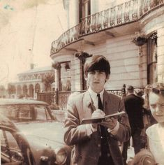 """""""A 1963 shot of George Harrison from the collection of John North, an editor at the News Sentinel. Beatles Photos, Beatles Songs, The Beatles, George Harrison, Great Bands, Cool Bands, Liverpool, Blues, What Makes You Beautiful"""