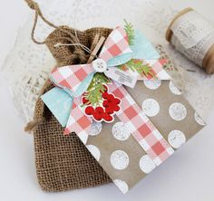 Gift Box Tag by Melissa Phillips for Papertrey Ink (November 2016)