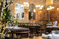 Groups - We're the perfect spot for family gatherings, corporate events and everything in between! Planning an event or in need of an intimate space? Menu Cocktail, Pizzeria, Old Montreal, Pleasing Everyone, Italian Wine, Wine List, Restaurants, Corporate Events, Perfect Place