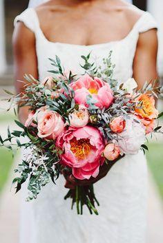 peony wedding bouquet - My Wedding Guide Summer Wedding Bouquets, Floral Wedding, Spring Weddings, Purple Wedding, Garden Wedding, Dream Wedding, Perfect Wedding, Wedding Table, Wedding Blog