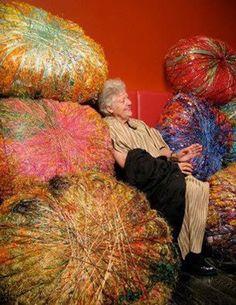 Sheila Hicks and the Art of the Yarn - Metropolis Textile Sculpture, Textile Fiber Art, Textile Artists, Soft Sculpture, Sculptures, Textiles, Sheila Hicks, Fabric Embellishment, Weaving Art