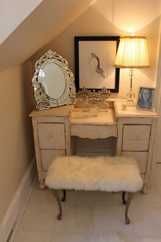 I badly want a little vanity table like this. Better lighting though.