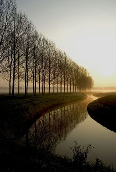Oranjepolder, Oosterhout, the Netherlands. Small wonder the country produced so many exceptional landscape painters. Beautiful World, Beautiful Images, Landscape Photography, Nature Photography, Travel Photography, Belle Photo, Pretty Pictures, Beautiful Landscapes, The Great Outdoors