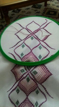Creative Crafts, Crochet Bikini, Macrame, Hand Embroidery Art, Bargello Patterns, Mother In Law, Embroidery Techniques, Hardanger, Towels