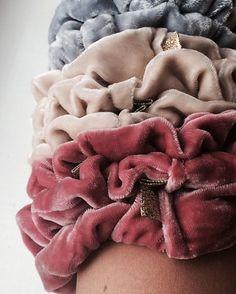 ✌🏽️ #pastel #scrunchie #hår #hair #silke #fløyel #silk #velvet #gold #gull #mote #fashion #trendy #posh #hårstrikk #handmade #kampen #tøyen #grønland #grünerløkka #oslo #emiliethwin Handmade Accessories, Merino Wool Blanket, Scrunchies, Instagram Posts, Studio, Fashion, Moda, Study, Fashion Styles