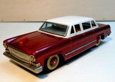 Google Image Result for http://www.carnewschina.com/wp-content/uploads/2011/12/china-tin-toys-part-1-1-458x331.jpg