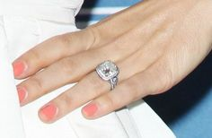 JESSICA BIEL's engagement ring from Justin Timberlake | Photo Credit: Getty