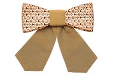 Enjoy Solea as your sophisticated eye-catcher: the wooden bow tie for ladies made of oak wood and finished with dark yellow elastic. Women Bow Tie, Modern Gentleman, Personal Style, Bows, Yellow, Experience Life, Lady, Wooden Bow, Pattern