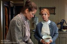 An iconic and humorous scene, the plum pudding fiasco in Anne of Green Gables is beloved by many. Make your own Plum Pudding using our recipe. Anne Shirley, Anne Of Green Gables, Anne Green, Jonathan Crombie, Colleen Dewhurst, Make Your Own Cookbook, Anne Of Avonlea, Gilbert Blythe, Beloved Book