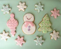 Xmas sugar cookies by Semla & Co Christmas Love, Christmas Goodies, Christmas Colors, Christmas Treats, All Things Christmas, Christmas Deserts, Holiday Treats, Christmas Traditions, Christmas Holidays