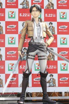 「進撃の巨人」等身大フィギュア初お披露目 梶裕貴、石川由依とも対面 8枚目