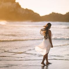 selective focus photo of woman standing on sea shore near rock formation during golden hour photo – Free Ocean Image on Unsplash Wind Pictures, Ocean Pictures, Nature Pictures, Coach Parental, Declutter Your Mind, First Response, Stress Disorders, Post Traumatic, Emotional Healing