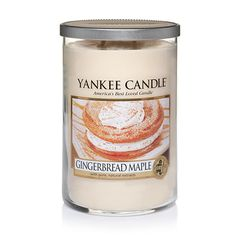 Gingerbread Maple - Baking spices and the warm fragrance of cloves, with just a touch of maple, bring back memories of gingerbread cooling on cookie sheets. Candle Lanterns, Diy Candles, Scented Candles, Pillar Candles, Candle Set, Candle Jars, Yankee Candle Scents, Yankee Candles, Best Smelling Candles