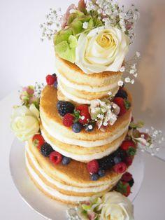 Weddingcake-Naked Cake - Weihnachtstorte - Beeren Torte - Berry