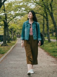Rion Berg, DPM, a podiatrist in Seattle WA at Foot and Ankle Center of Lake City, discusses how to prepare your feet for pain-free walking. Duster Coat, Walking, Jackets, Fashion, Jogging, Down Jackets, Moda, Walks, Jacket