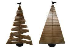 Los árboles de cartón se convierten este año en una alternativa ecológica y divertida para los niños