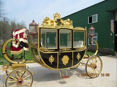 Romantic_Royal_Horse_Drawn_Carriage_for_Wedding