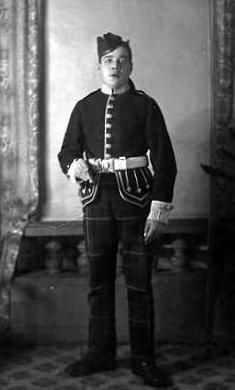 Old photograph of a young Highland Light Infantry soldier in Glasgow, Scotland