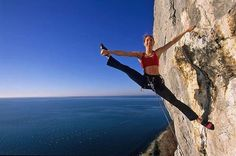 www.boulderingonline.pl Rock climbing and bouldering pictures and news Extreme yoga! Or is
