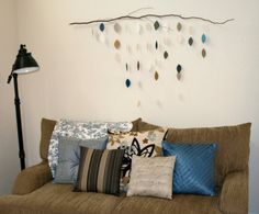 For the longest time, I was at a loss for a creative, cheap (ideally, free!) solution for the looming space over the couch. It was autumn wh...