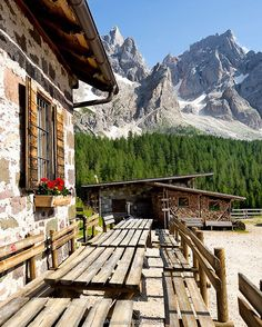 Dolomites Italy Pictures, South Tyrol, Paradise On Earth, Northern Italy, Amalfi Coast, Oh The Places You'll Go, Alps, Tuscany, Countryside