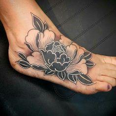Oriental peony tattoos & piercings tattoos, flower tattoos и Mini Tattoos, Flower Tattoos, Black Tattoos, Body Art Tattoos, Tribal Tattoos, Small Tattoos, Tatoos, Tatoo Henna, Arm Tattoo