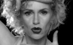 "Jane Lynch Rocking 'Vogue"""