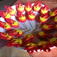 Fireman party - topper cupcakes
