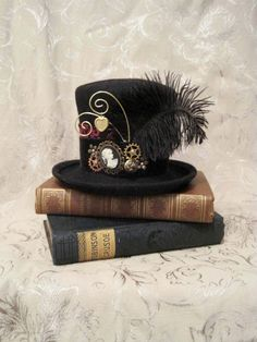 Mini top hat: Millicent- steampunk, burlesque, gothic Lolita