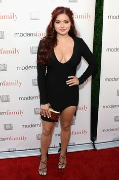 Ariel Winter Joins 'Modern Family' Co-Stars At Emmy Event!: Photo Ariel Winter strikes a pose with Nolan Gould and Rico Rodriguez while attending the ATAS Emmy Event for her hit show Modern Family held at Fox Studios on Monday… Ariel Winter Bikini, Ariel Winter Hot, Celebrity Selfies, Celebrity Photos, Ariel Winter Modern Family, Arial Winter, Winter Photos, Bikini Pictures, Beautiful Celebrities