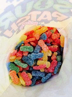 X sour patch Cute Food, I Love Food, Good Food, Yummy Food, Sour Patch Kids, Dog Food Recipes, Snack Recipes, Snacks, Zeina