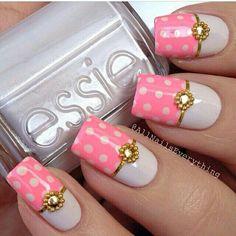 Pink polka dot jeweled nail art #Pink #nailart #polkadot