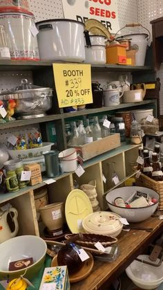 """Retail therapy was needed because I'm having a stressful, overwhelming week! So instead of getting things done on the """"to do"""" list I'm antique shopping😜 The Junk Parlor 