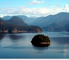 Deep Cove Canoe and Kayak - Vancouver sea kayaking, Rentals, Lessons, Guided Trips out of scenic Deep Cove British Columbia, Canada. Come Paddle the ocean with us!