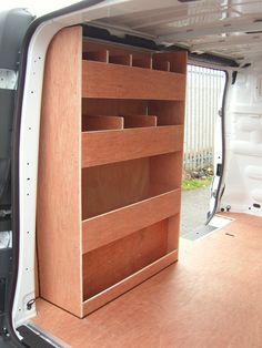 Renault Trafic SWB - Nearside and offside shelving