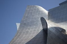 Walt Disney Concert Hall is one of the best attractions in Downtown LA and it has a free garden that's beautiful and tranquil.
