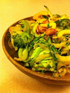Zucchini Noodle Stir Fry with Almond Butter Sauce #vegan #gluten free #sugar free