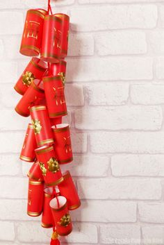 Free Printable Chinese New Year Firecrackers - Year of the Rat! : Free Printable Chinese New Year Firecrackers Chinese New Year Crafts, Chinese New Year 2020, New Year's Crafts, Paper Crafts, Chinese Firecrackers, Chinese Birthday, Chinese Art, Chinese Style, Chinese Food