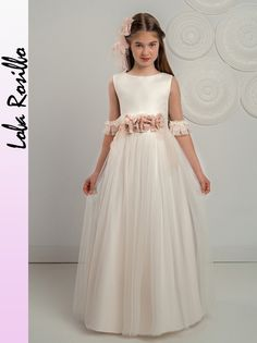 COMUNION - ROSA GARCIA NANOS Girls Dresses, Flower Girl Dresses, Formal Dresses, Wedding Dresses, Girls First Communion Dresses, Party Frocks, Lovely Dresses, Striped Dress, Ball Gowns