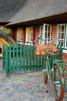 Nice green bike    Sønderho - Fanø - Denmark