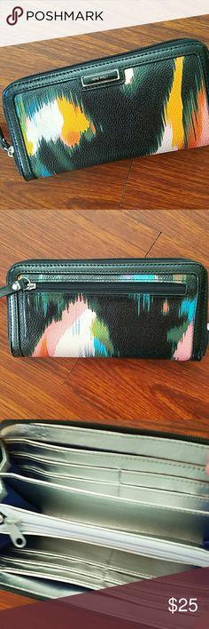 NWOT Nine West wallet very unique pattern . Nine west Bags Wallets
