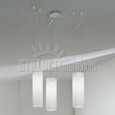De Majo Carre' S2GD Sospensioni Grandi Decentrate 2 Luci Diffusore in vetro bianco satinato, montatura in metallo cromo satinato.
